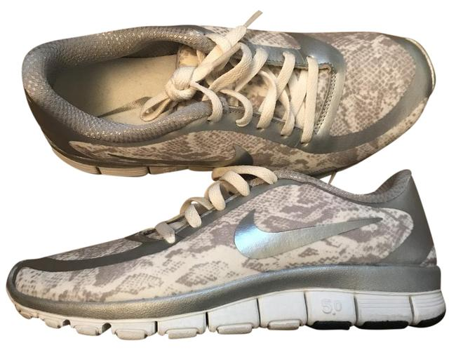 Item - Silver and White Multi Free 5.0 Sneakers Size US 7 Regular (M, B)