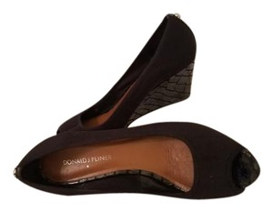 Donald J. Pliner Open Toe Cushioned Foot Bed Leather Sole Fits Like A Leather Scuba Suit & Black Patent Wedges