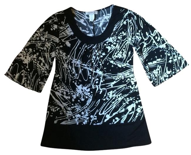 Preload https://item5.tradesy.com/images/black-white-and-sushiflower-tunic-size-4-s-2220024-0-0.jpg?width=400&height=650