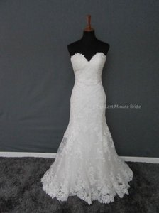 Essense of Australia Ivory/Ivory Lace D2109 Feminine Wedding Dress Size 10 (M)