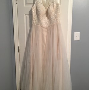 Champagne Vintage Wedding Dress Size 20 (Plus 1x)