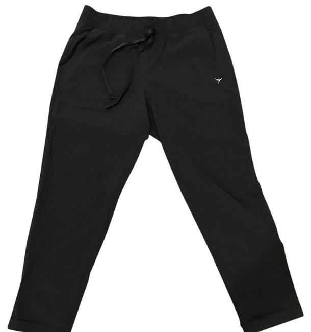 Preload https://img-static.tradesy.com/item/22210359/old-navy-black-128093200012-activewear-capriscrops-size-petite-4-s-0-1-650-650.jpg