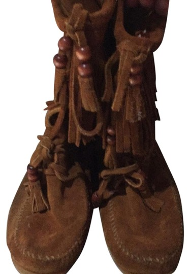 Preload https://img-static.tradesy.com/item/22211115/minnetonka-brown-fringe-bootsbooties-size-us-9-regular-m-b-0-1-540-540.jpg