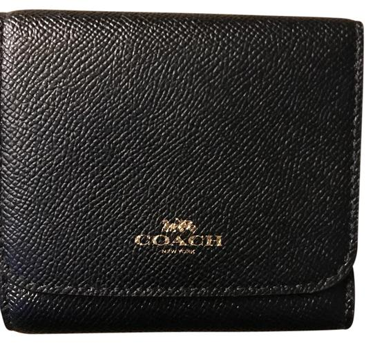 Preload https://img-static.tradesy.com/item/22211210/coach-black-small-wallet-0-1-540-540.jpg