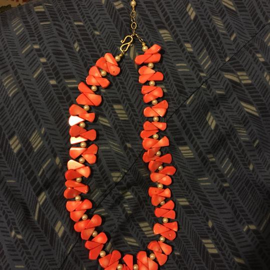 Vintage Beautiful coral and pearl necklace