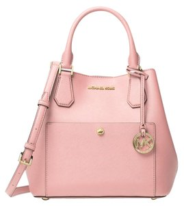 Michael Kors Greenwich Medium Black Saffiano White Leather 889154025547 30s5ggrt6u Satchel in blossom pink