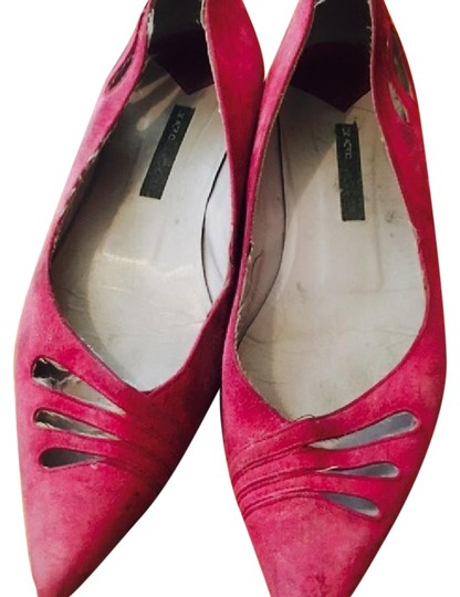 Preload https://img-static.tradesy.com/item/22212400/marc-jacobs-magenta-pointy-toe-cut-our-flats-size-us-8-regular-m-b-0-1-540-540.jpg