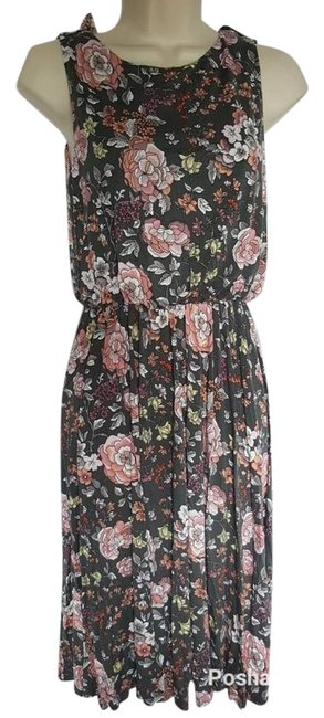 Preload https://img-static.tradesy.com/item/22212690/ann-taylor-loft-coral-gray-floral-open-back-mid-length-night-out-dress-size-6-s-0-5-650-650.jpg