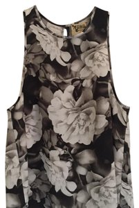 Show Me Your Mumu Top black and white floral print