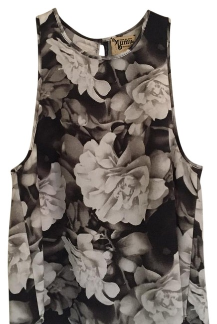 Preload https://img-static.tradesy.com/item/22212752/show-me-your-mumu-black-and-white-floral-print-alice-crop-tank-topcami-size-4-s-0-1-650-650.jpg