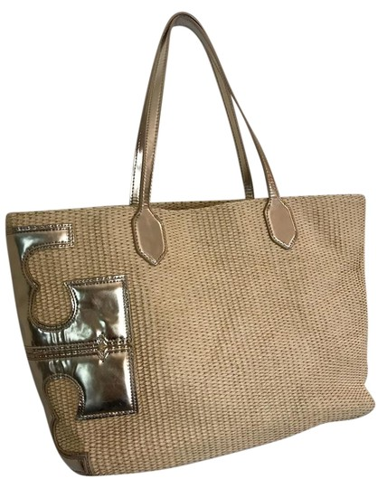 Preload https://img-static.tradesy.com/item/22212788/tory-burch-t-stacked-t-natural-gold-straw-tote-0-2-540-540.jpg