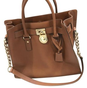 559547dfd476 Michael Kors Bags - Up to 90% off at Tradesy
