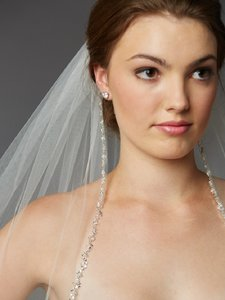 Ivory Medium Stunning Crystal Beaded Edge Fingertip Bridal Veil