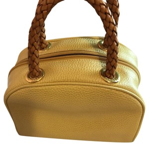 Desmo Satchel in gold