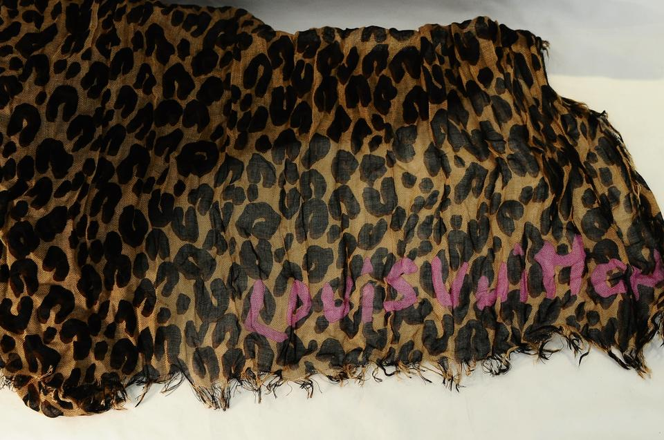 1d74f589419ec Louis Vuitton Cashmere Silk Stephen Sprouse Leopard Stole Brown Image 10.  1234567891011