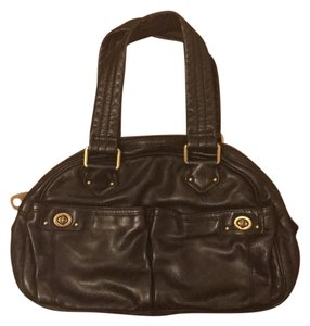 9ee994fbd870 Marc by Marc Jacobs Leather Brass Zipped Logo Satchel in Black. Marc by Marc  Jacobs  totally Turnlock  Bowler ...