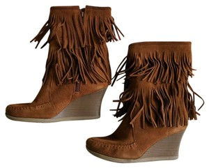 Minnetonka Calf High Fringe Wedge Suede Brown Boots