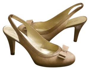 AK Anne Klein Sling Back Work Like New Bow Taupe Pumps