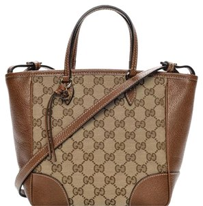 1d38b659b0 Added to Shopping Bag. Gucci Tote in brown. Gucci Bree Monogram ...