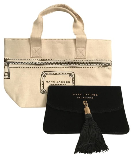 Preload https://img-static.tradesy.com/item/22222159/marc-jacobs-black-gold-velvet-fringe-and-tassel-wfree-canvas-tote-clutchmakeup-cosmetic-bag-0-1-540-540.jpg