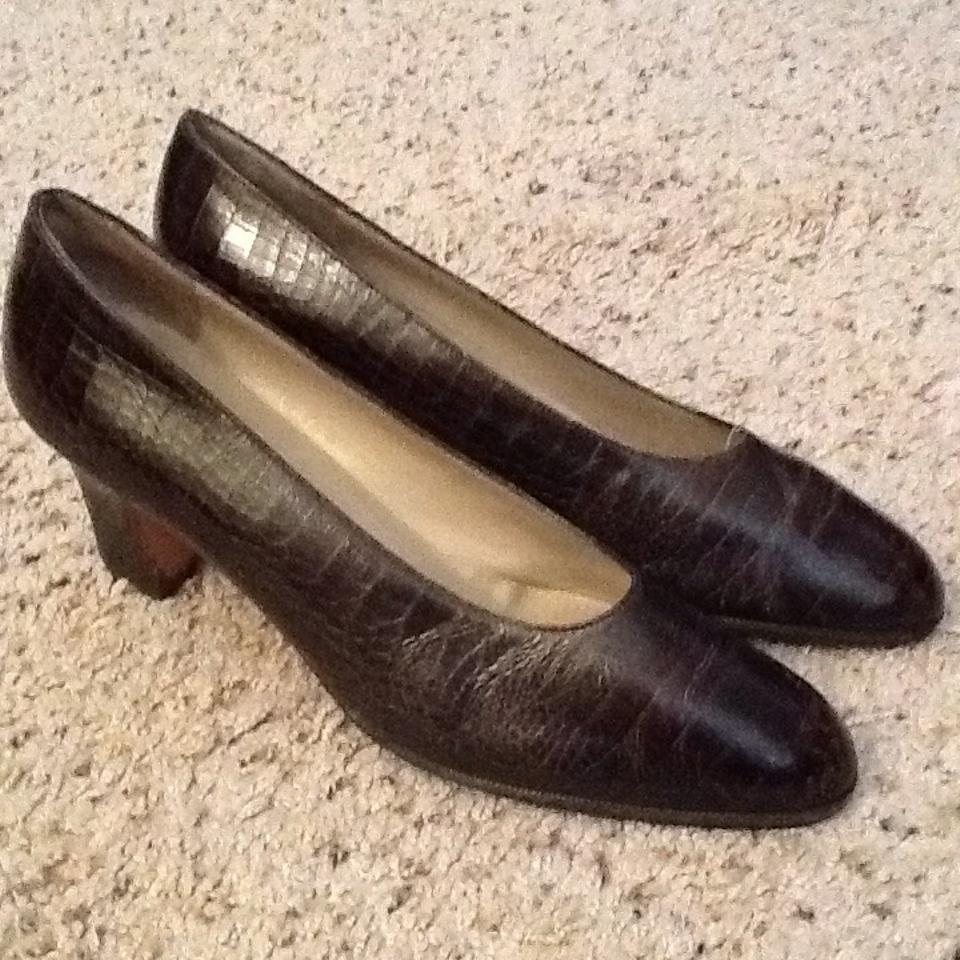 salvatore ferragamo croc leather dark brown pumps on sale 62 off pumps on sale. Black Bedroom Furniture Sets. Home Design Ideas