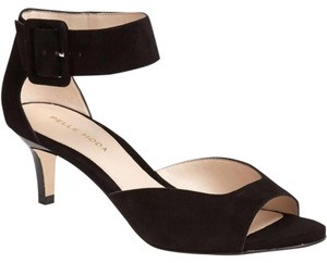 Pelle Moda Black Pumps
