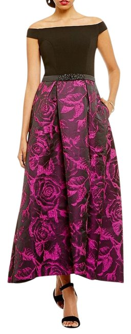 Item - Black/Fuchsia Infusion Women's Off The Shoulder Gown Long Formal Dress Size 8 (M)