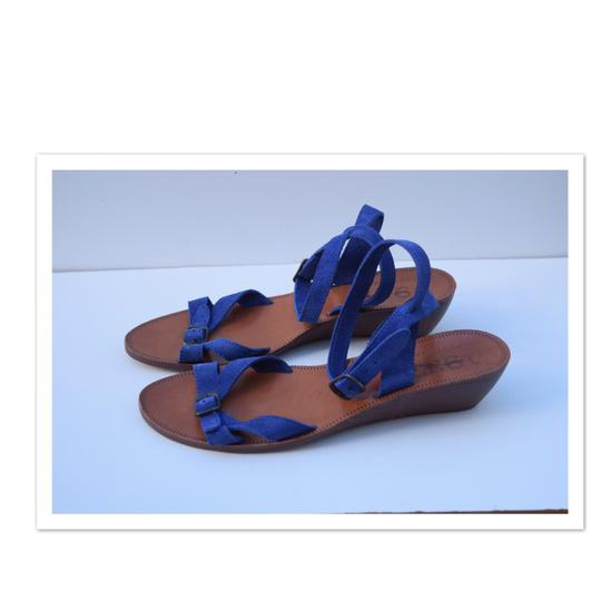 Preload https://img-static.tradesy.com/item/22231277/madewell-royal-blue-low-wedge-sandals-size-us-9-regular-m-b-0-1-540-540.jpg