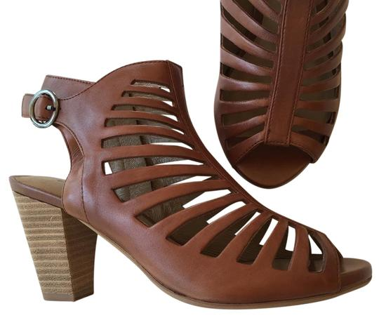 Preload https://img-static.tradesy.com/item/22231317/gerry-weber-cream-brown-cut-out-ankle-sandal-bootsbooties-size-eu-39-approx-us-9-regular-m-b-0-1-540-540.jpg