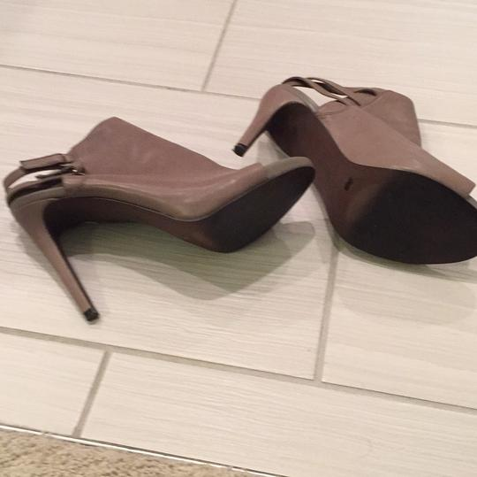 Vince Camuto taupe Pumps Image 1