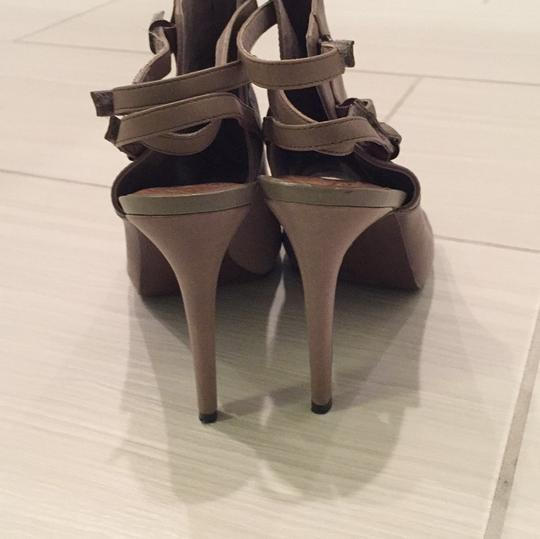 Vince Camuto taupe Pumps Image 2