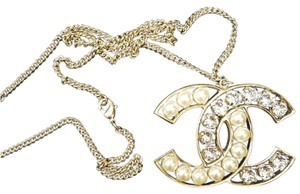 Chanel Soft gold big crystal pearl CC pedant necklace
