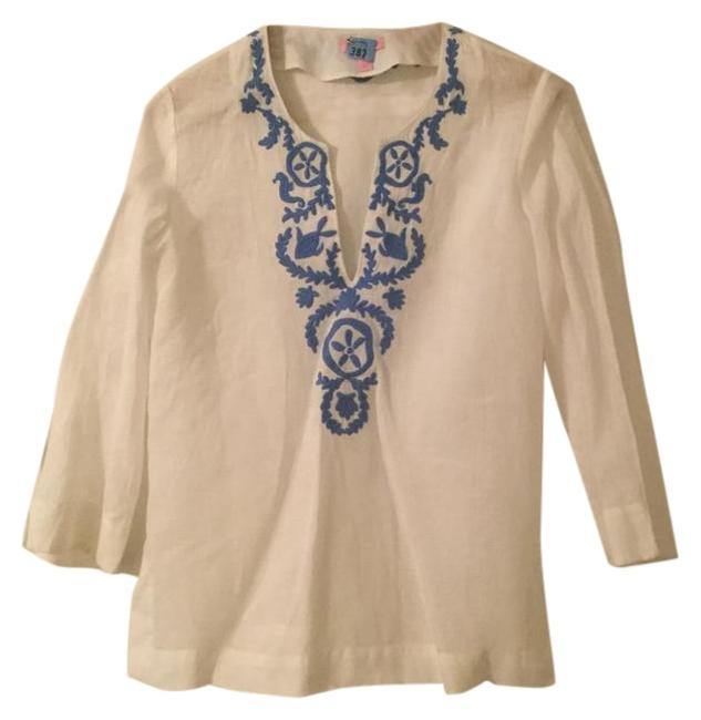 Preload https://img-static.tradesy.com/item/22233745/lilly-pulitzer-white-and-blue-tunic-size-6-s-0-1-650-650.jpg