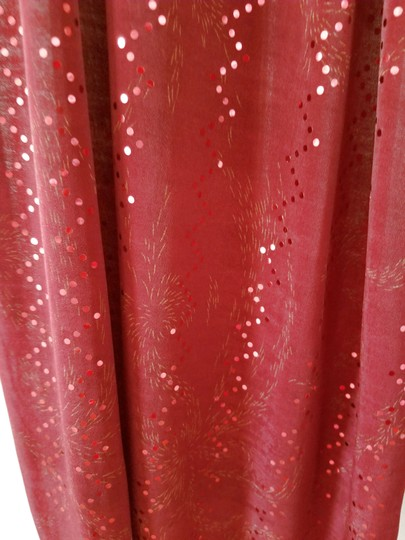 unknown Burgundy heavy stretchy polyester scarf with metallic sparkle, 68 x 18 Image 3