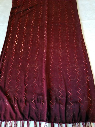 unknown Burgundy heavy stretchy polyester scarf with metallic sparkle, 68 x 18 Image 6