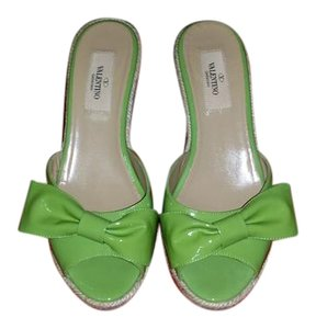 7cda1db0b354 Women s Green Valentino Shoes - Up to 90% off at Tradesy