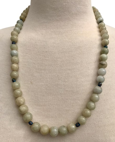 Preload https://img-static.tradesy.com/item/22234955/grey-green-blue-cream-ivory-14-mm-nephrite-jade-bead-and-cloisonne-bead-necklace-0-1-540-540.jpg