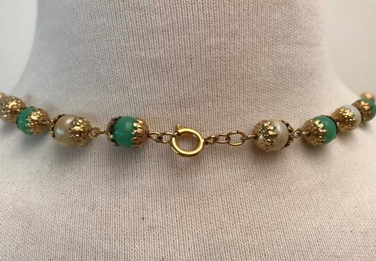 VINTAGE VINTAGE FAUX PEARL & JADE NECKLACE GOLD TONE FILIGREE & ROPE CHAIN 46