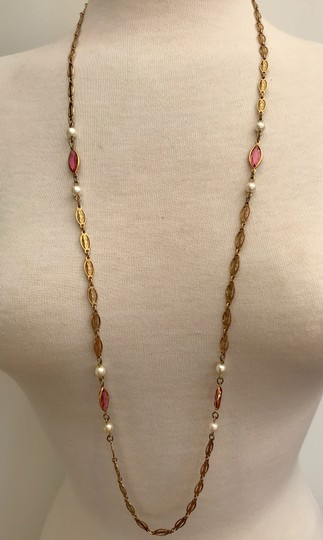 VINTAGE VINTAGE GOLD TONE FILIGREE CHAIN NECKLACE, PEARLS & PINK MARQUIS STONE Image 1