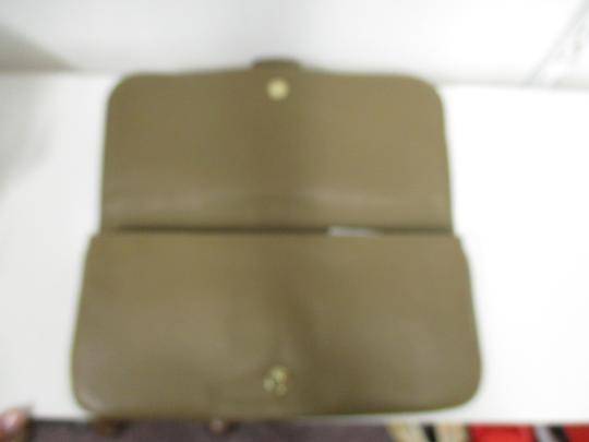 Gucci Taupe Clutch Image 5