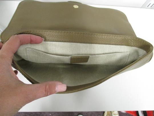 Gucci Taupe Clutch Image 6