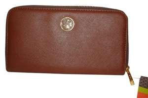 Tory Burch Tory Burch Robinson Small Logo Zip Continental Wallet
