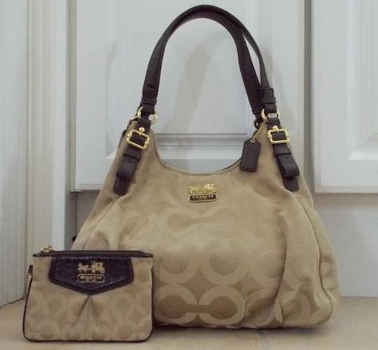 Preload https://img-static.tradesy.com/item/2223821/coach-maggie-madison-wallet-beigebrown-canvas-and-leather-satchel-0-0-540-540.jpg