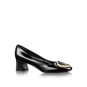 Louis Vuitton Lv Patent Black Pumps