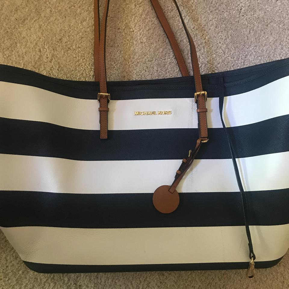 d4a1073f0bb2d3 Michael Kors Tote in Navy Blue, White, and Chestnut Brown. Image 9.  12345678910