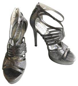 a2691b12ad6 Guess Platforms Up to 90% off at Tradesy