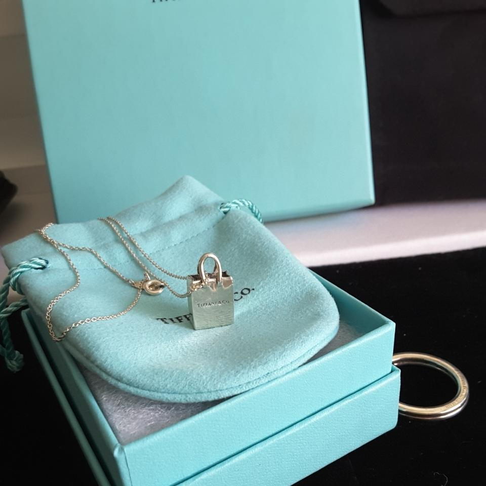 9fe6fb083 Tiffany & Co Italy Sterling Silver Shopping Bag Charm Pendant Necklace  Image. 12345678