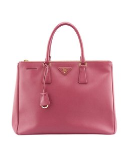 Prada Leather 136322 Tote in Pink