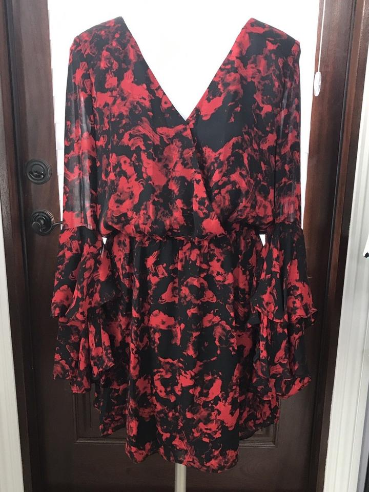 793b0ee8a5149 Parker Red Poinsettia Garland Bell Sleeve Ruffle Short Cocktail ...