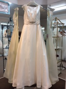 Pronovias Off White Satin Dalila Modern Wedding Dress Size 10 (M)